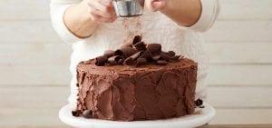 Pastel de chocolate perfecto de Wilton